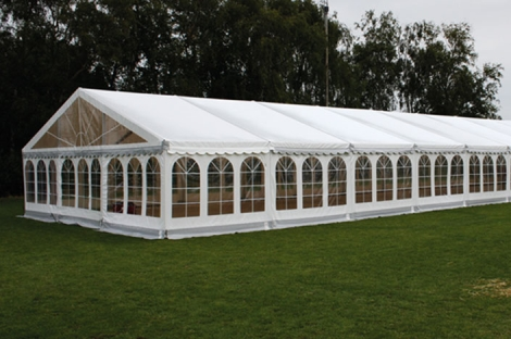 9 x 18 meter telt - ca. 136 til 162 personer